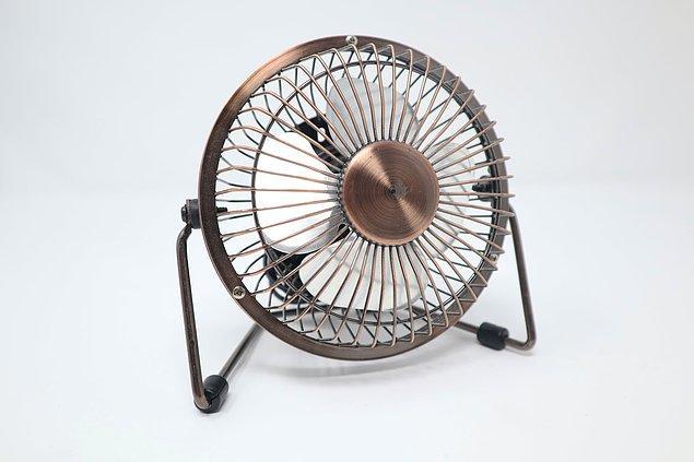 7. Hava sıcak olduğunda insanların kavga etme olasılığı artar.
