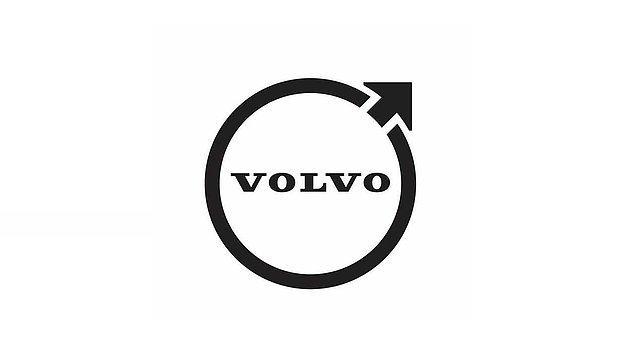 Logodaki ok ve daire şeklinin demir ve sağlamlık anlamına geldiğini ve daima en dayanıklı arabaları ürettiğini vurgulayan Volvo, üç boyutlu logosunu iki boyuta düşürdü.