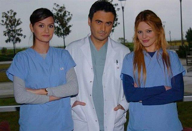 Naz Elmas, 2008 yılında bir döneme damgasını vuran Doktorlar dizisine katıldı. Ama yine şeytanın bacağını kıramadı!