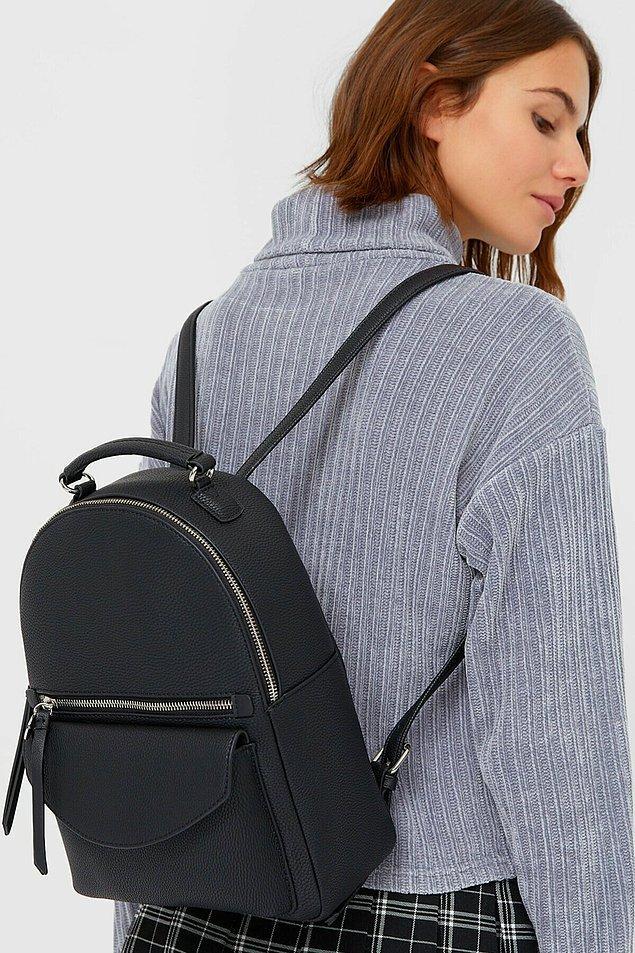 7. Bu şık sırt çantası ile rahat edeceksiniz.