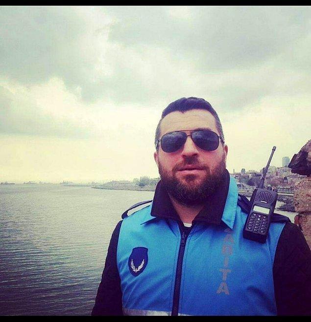 Kendi sakalını Sakal-ı Şerif ilan ettiği tweeti hükümete yakın pek çok sosyal medya hesabı, gazeteci, siyasi de paylaşmıştı.