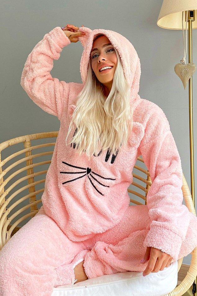 10. Kedili pijama takımı mı? 😍