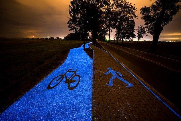 4. Gün içinde depoladığı güneş enerjisiyle çalışan ve geceleri bu enerjiyle aydınlatılan bisiklet yolu: