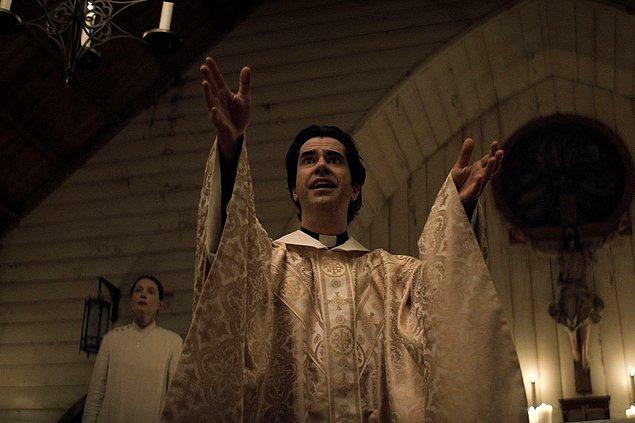 13 - Gece Yarısı Ayini / Midnight Mass