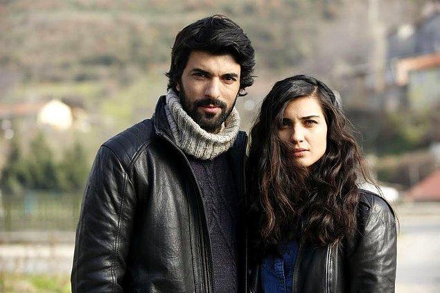 2014-2015 yıllarında ekranlara gelen Kara Para Aşk'ın başrollerini Tuba Büyüküstün ve Engin Akyürek paylaşıyordu.