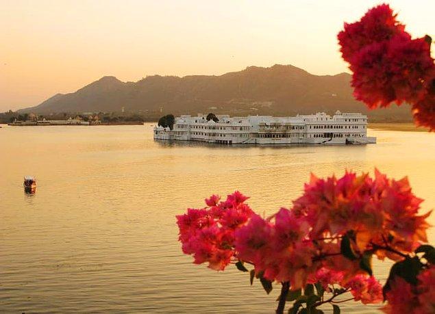 9. Taj Gölü Sarayı - Udaipur, Hindistan
