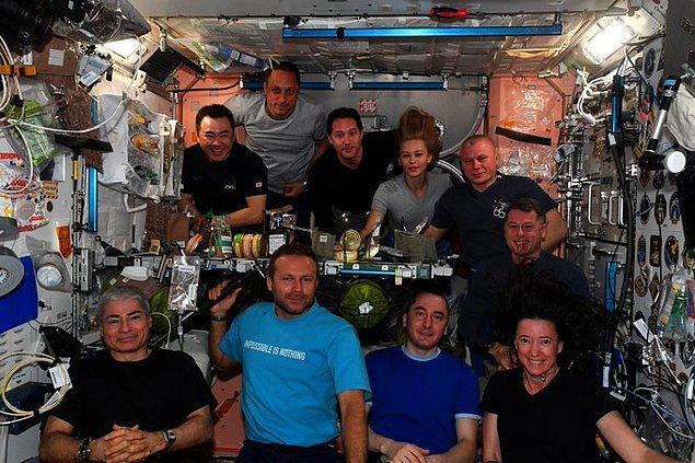 Uluslararası Uzay İstasyonu'nda kimler yer alıyor?