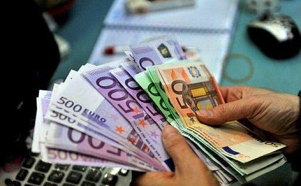 Bakalım Şimdi Kim Kimi Kıskanacak? Almanya'da Partiler Saatlik 12 Euro Asgari Ücret Konusunda Anlaştı
